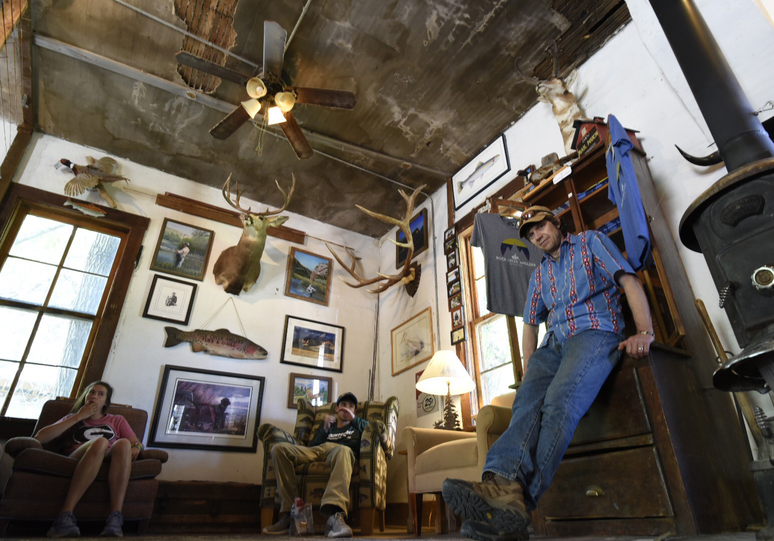 Rod & Gun Club Shop Fly Shop Fishing Shack Guide Flies Tackle Shop